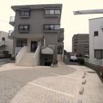 集合住宅:建物正面の駐車スペース・リフォーム後